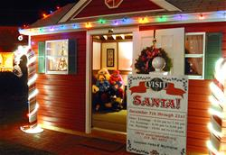 cs_dec13_santahouse_05